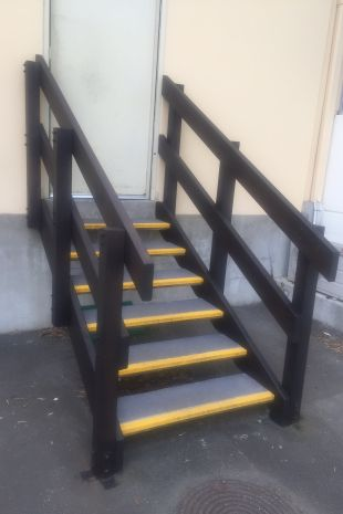 Safe surfaces applied to emergency route stairs