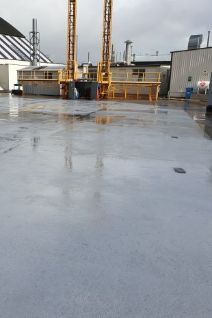 Link to specialist surfacing installers